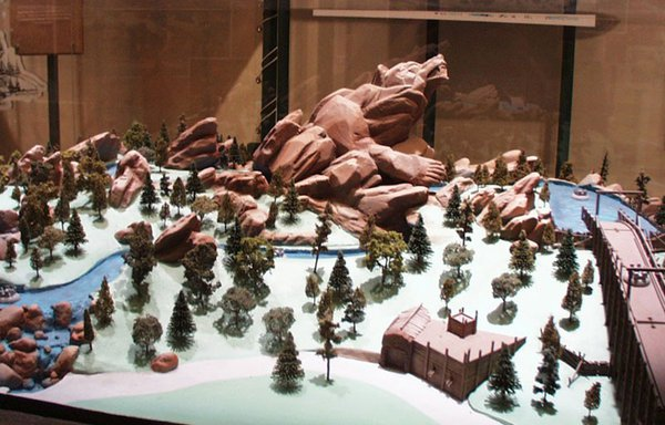 Grizzly River Run scale model.